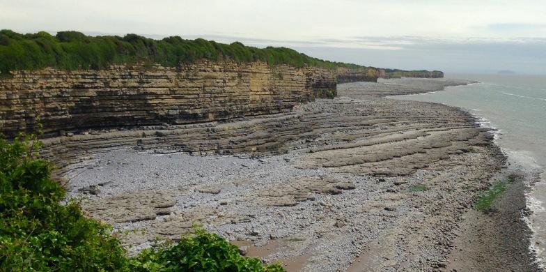 Low cliffs near Rhoose.