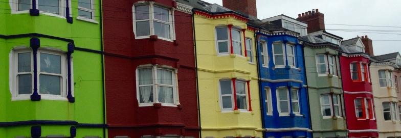 Bright colours, grey day; Borth.